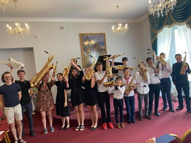 W szkole muzycznej w Bobowej - warsztaty saksofonowe oraz koncert zespołu MagDuś Duo