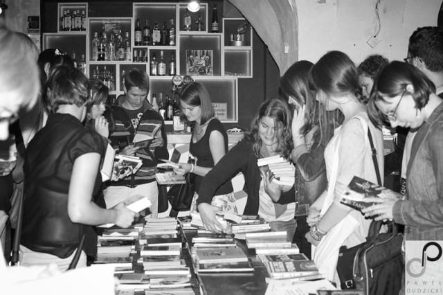 Blisko 200 osób, 1,2 tys. wymienionych książek i doskonała ...