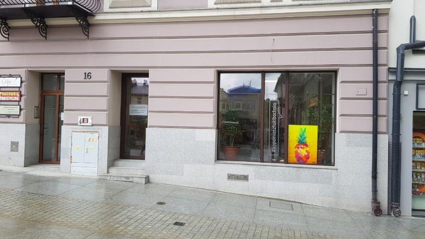 """Galeria """"Kopalnia sztuki"""" w Bochni z pracami plastycznymi..."""