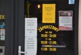 Policja i Sanepid w Żółtym Młynku w Rybniku. Właściciele poprosili o opuszczenie lokalu bo kontrola była niezapowiedziana