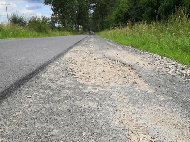 Tak obecnie wyglądają fragmenty pobocza drogi z Turowa do Wilczych Lasków