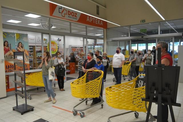 W Jaworznie przy ul. Grunwaldzkiej 237 otwarto sklep Supeco. Klientów w momencie otwarcia nie brakowało. Zobaczcie ceny.   Zobacz kolejne zdjęcia. Przesuń zdjęcie w prawo - wciśnij strzałkę lub przycisk NASTĘPNE.