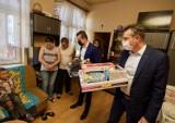 Bytomskie dzieci z potrzebujących rodzin otrzymały zabawki