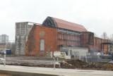 """Metamorfoza budynków po KWK """"Rozbark"""" w Bytomiu. Już wkrótce otworzone zostanie Centrum Sportów Wspinaczkowych i Siłowych"""