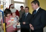 Słupca - Święty Mikołaj odwiedził szpital