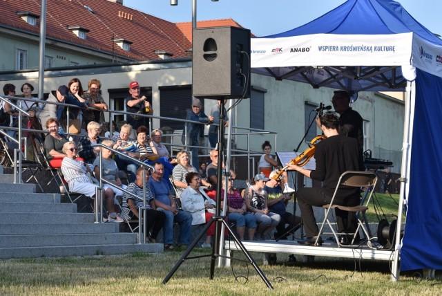 Ruszyły kameralne koncerty na promenadzie w Parku Tysiąclecia w Krośnie Odrzańskim.