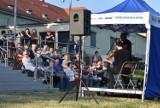 Muzycznie w Parku Tysiąclecia w Krośnie Odrzańskim. Ruszył cykl koncertów na promenadzie. Zobaczcie zdjęcia z pierwszego występu