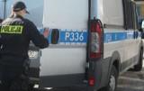 Ul. Dworcowa w Żorach: Mężczyzna idzie z bronią! Przyjechał patrol policji