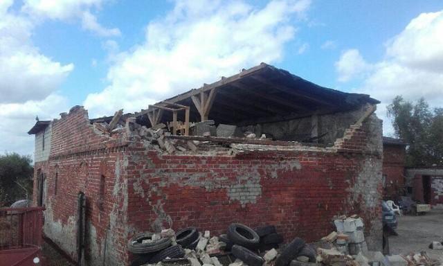 Nawałnica zniszczyła budynek gospodarza z Drzonowa. W ramach odszkodowania PZU chciało zapłacić tylko... 3,4 tys. zł