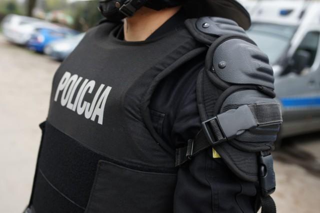 Policjanci zostaną wyposażeni w kamery na mundurach