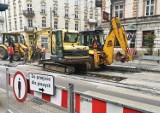 Kraków. Ruszył remont torowiska na węźle Lubicz-Rakowicka. Duże utrudnienia dla pasażerów i kierowców [ZDJĘCIA]