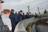 Radni z Koźmina Wlkp. obejrzeli infrastrukturę wodociągową i punkt zbiórki odpadów [ZDJĘCIA]