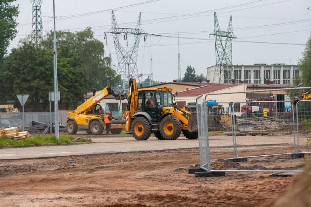 Trwa budowa salonu meblowego Agata w Fordonie w Bydgoszczy. Powstaje w Fordonie, na nieużywanej działce w pobliżu linii tramwajowej i kilku znanych sieciówek.   Więcej zdjęć i informacji >>>