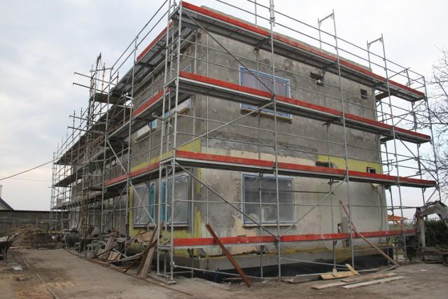 W Kijewie Królewskim trwa remont budynku, w którym powstanie Gminne Centrum Integracji Społecznej