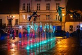 Iluminacje na Stary Rynku w Częstochowie - zobacz zdjęcia! Rynek po modernizacji prezentuje się wspaniale