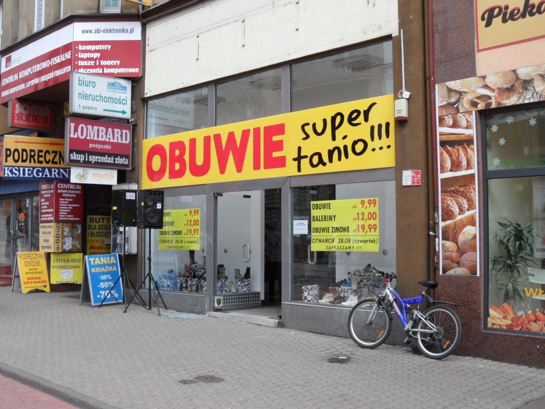 b5a95a25 Ul. Wolności Chorzów. Otwarto kolejny sklep z... tanimi butami [FOTO ...