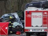 Tragiczny wypadek na DK92 koło Lwówka. Zderzenie dwóch busów i tira. Jedna osoba nie żyje. NOWE INFORMACJE [ZDJĘCIA]