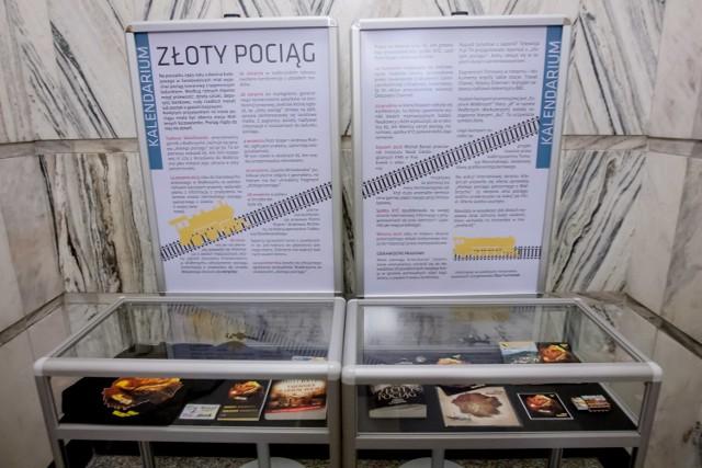 """Wystawa w Bibliotece pod Atlantami poświęcona tematowi """"złotego pociągu"""""""