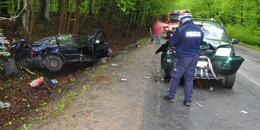Wypadki w powiecie gdańskim. Potrącenie rowerzysty w Straszynie i czołowe zderzenie w Kolbudach