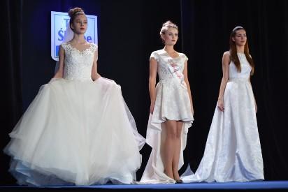 c43781b9f6 Targi Ślubne w Rybniku. Piękne i modne suknie ślubne oraz garnitury można  podziwiać ...