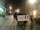 """Studenci demonstrowali w Katowicach: """"Żądamy rozdziału lewicy od państwa i uniwersytetów""""! Była też kontrmanifestacja"""