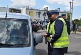 """""""Nie piję, prowadzę, żyję"""". Wspólna akcja policji i Urzędu Miasta. """"Chcemy podnieść świadomość kierowców"""". Będą kontrole, bilbordy i gadżety"""