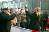 Gdynia: Flesz z przeszłości. 22.01.2008. Chrzest ogromnego samochodowca w stoczni