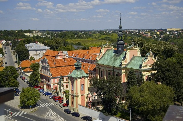 Kościół św. Michała widziany z tarasu Bramy Opatowskiej