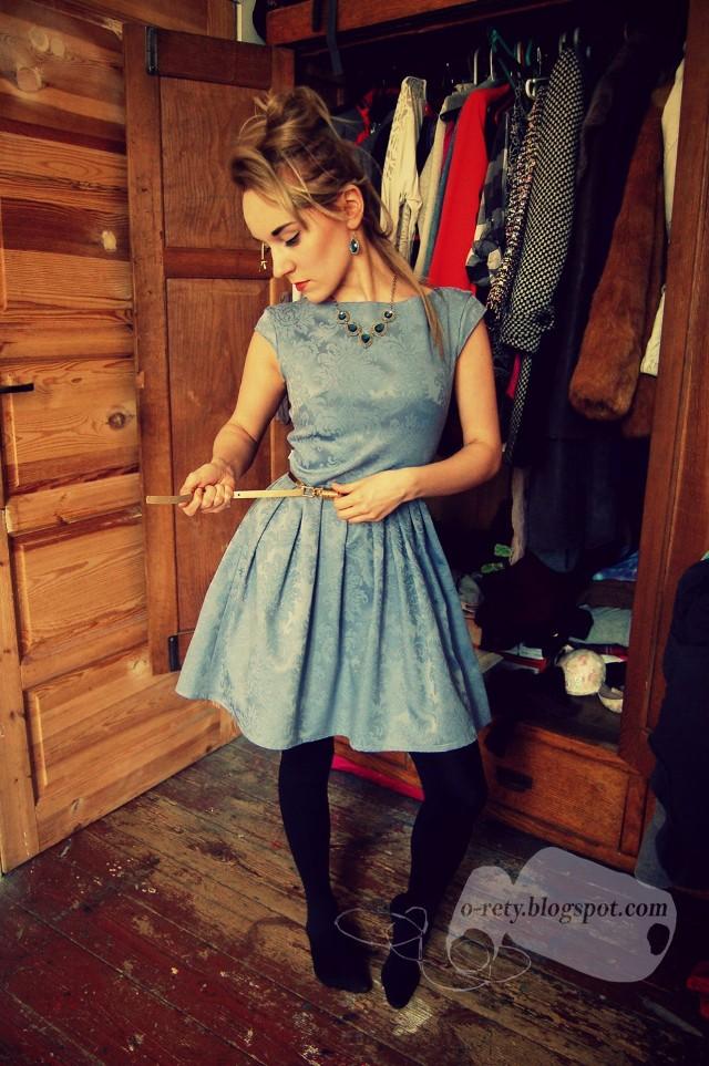 -Sukienka z zasłony uszyta dla mojej przyjaciółki - opisuje Dominika.