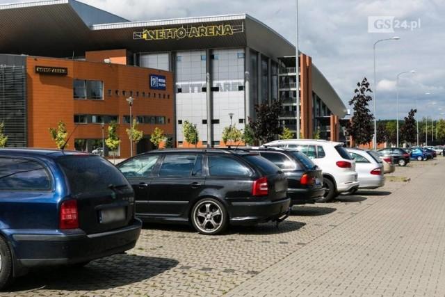 Kara za niewniesienie opłaty ma wynieść 95 zł. Za parkowanie w czasie ligowych spotkań opłata nie będzie podwyższana