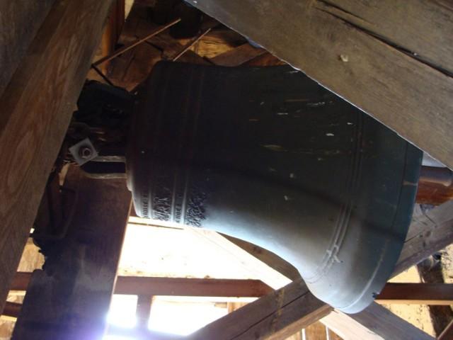 Janowice Wielkie: Uruchomiono średni, najstarszy dzwon