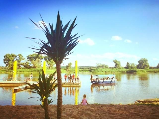 Plażowanie w Gostchorzu oraz rejs drakkarem po Odrze na rozpoczęcie wakacji 2021.