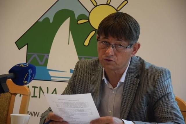 Wójt gminy Chojnice Zbigniew Szczepański wnioskuje do Rady Gminy o nadanie rondu nazwy im. Jana Pawła II
