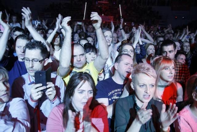 Walentynkowa gala Disco Polo 2020 w Stegu Arenie.  Zagrają:  Piękni i Młodzi WEEKEND DEFIS Power Play Miły Pan CamaSutra Daj To Głośniej SE7EN boyzband  Start o godz. 20.00.