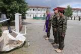 W Kosowie uczczono pamięć tragicznie zmarłego spadochroniarza z 25. Brygady Kawalerii Powietrznej w Tomaszowie
