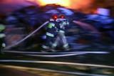 Pięć samochodów spłonęło po północy 1.01.2021. w Trójmieście. Pracowita sylwestrowa noc strażaków. Na Pomorzu interweniowali 47 razy