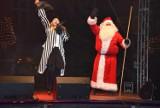 Bajkowe mikołajki we Wrześni. Mikołaj w towarzystwie przyjaciół wjechał na saniach na rynek
