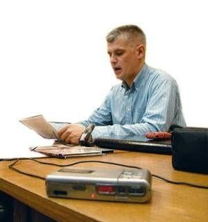 Piotr Tomaszuk podczas wczorajszej konferencji prasowej nie przedstawił pełnego zapisu rozmowy z prezydentem Jackiem Krywultem. fot. JACEK ROJKOWSKI