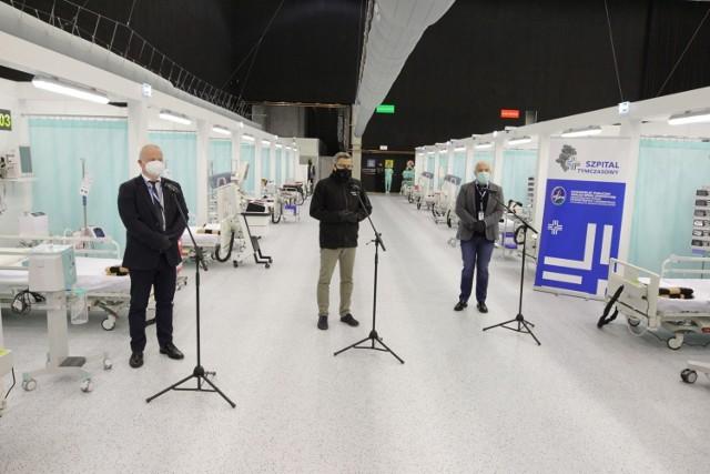 Szpital tymczasowy na terenie MCK w Katowicach otwarto 1 grudnia. Za przygotowania odpowiadał Śląski Urząd Wojewódzki  Zobacz kolejne zdjęcia. Przesuwaj zdjęcia w prawo - naciśnij strzałkę lub przycisk NASTĘPNE >>>