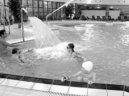 Uczniowie dąbrowskich szkół ponownie będą korzystać  z basenów i atrakcji Wodnego Świata.
