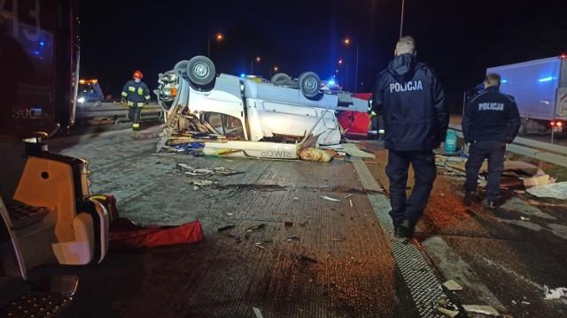 Śmiertelny wypadek na S8 w Studziankach. Ciężarowy MAN najechał na kampera, zginęła 39-letnia kobieta