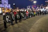 Strajk Kobiet 2020. Dyskoteka na środku ronda w imię wolnego dostępu do aborcji i edukacji seksualnej