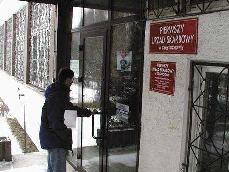 Częstochowski przedsiębiorca zrobił majątek wyłudzając z urzędów skarbowych podatek VAT.  /  JAKUB MORKOWSKI