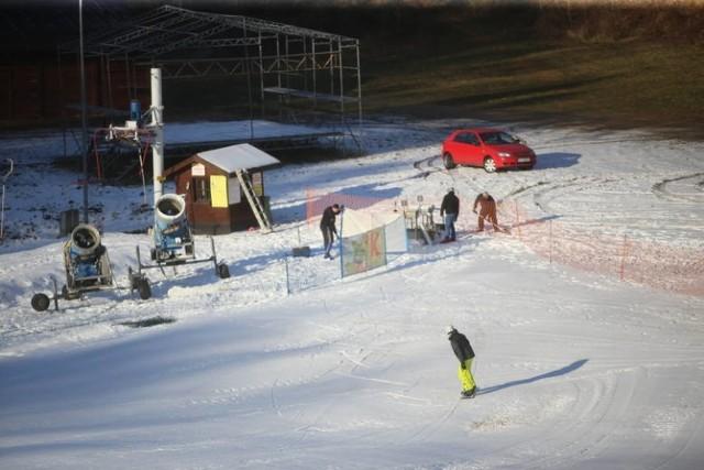 Obiekty sportowe w Bytomiu zamknięte. Wyjątkiem... górka na sanki.