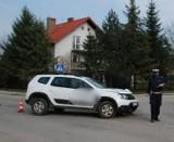 Wypadek w Wiślince gm. Pruszcz Gd. Zderzenie motocyklisty z samochodem osobowym. 33-latek trafił do szpitala