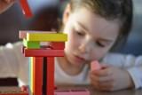 Zasiłek opiekuńczy dla rodziców jeszcze do 12 lipca. Jak skorzystać?