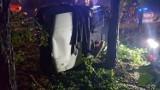 Wypadek w Zajączkowie koło Opoczna. 82-letni kierowca przypuszczalnie zasłabł za kierownicą...
