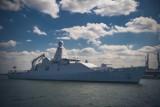 """Gdynia: ORP """"Kormoran"""" ćwiczył, holenderski patrolowiec był z wizytą w gdyńskim porcie"""