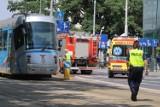Dramat koło Wroclavii. Kobietę potrącił tramwaj. Jest stan jest bardzo poważny [ZDJĘCIA]