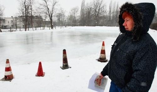 H. Kędzierska: Kandydat na burmistrza Wojkowic obiecywał nam lodowisko, a jest tylko tafla lodu.